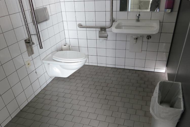 WC Rapperswil Bahnhof
