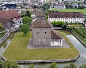 Pfaeffikon_SZ_Schlossturm.jpg